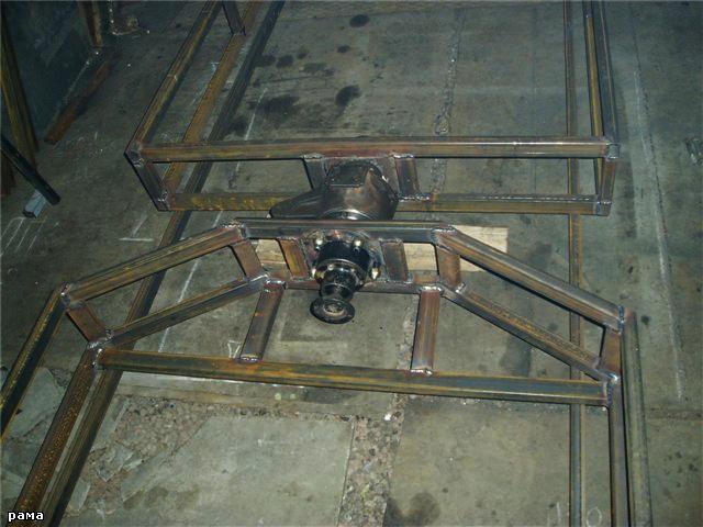 184Поворотный механизм  для трактора