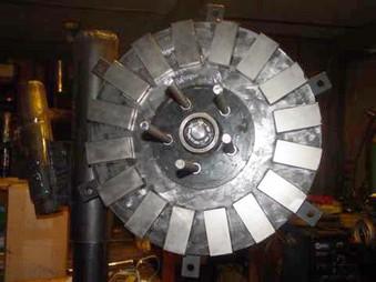 Большой пятиметровый аксиальный ветрогенератор