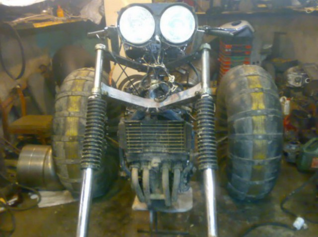 Каракат на базе Ямаха FZR400