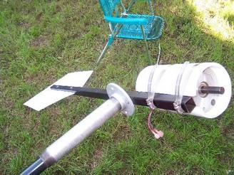 Мини ветрогенератор из мтора на постоянных магнитах