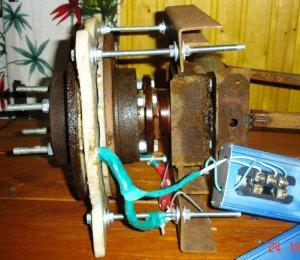 Простая и легко повторяемая конструкция ветрогенератора